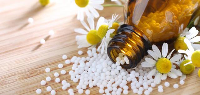 Maigrir-a-la-menopause-grace-a-l-homeopathie-702x336